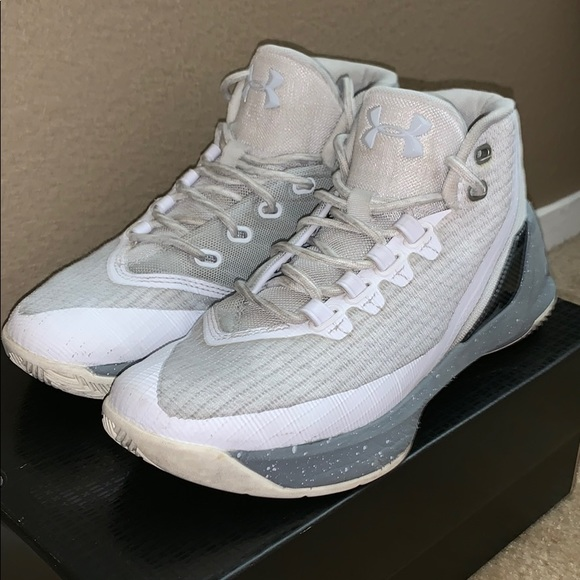finest selection 91ecb 6b5a4 Under Armor Curry 3
